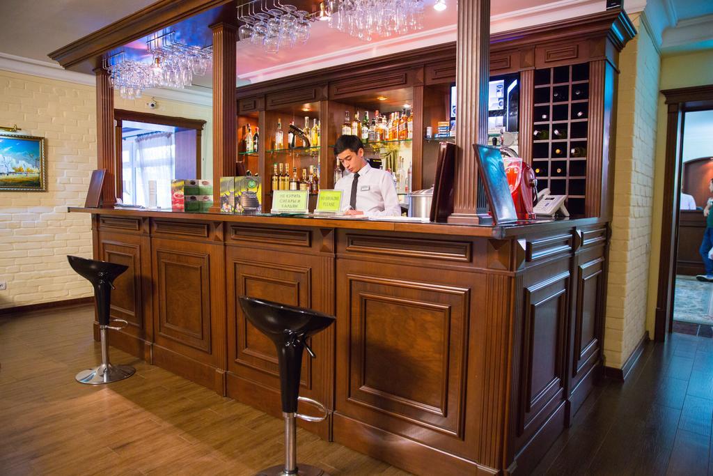Bar Hotel Sharq Tashkent 1