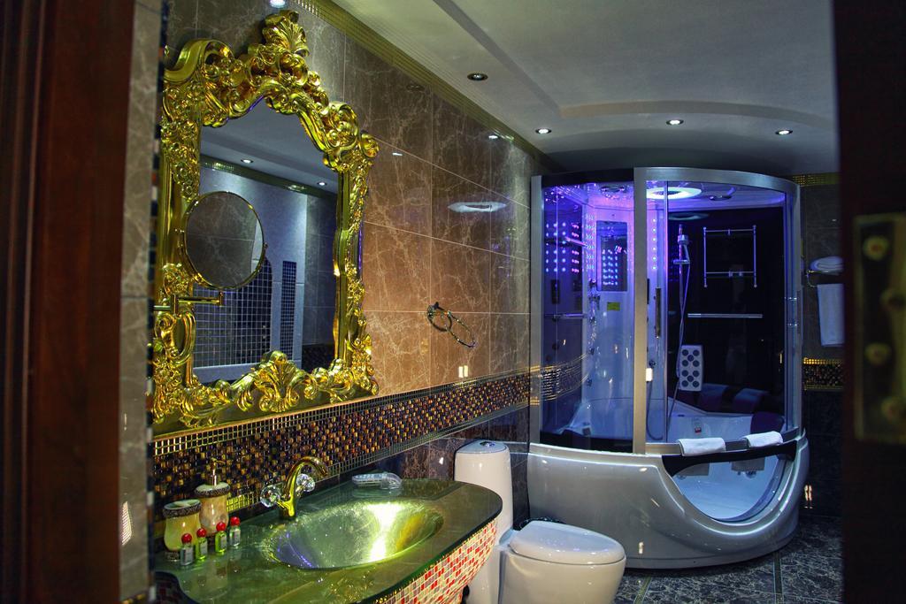 Bathroom Emirhan Samarkand 2