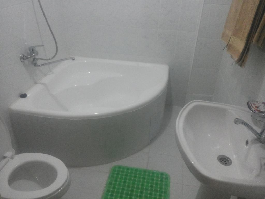 Bathroom Kovunchoy Bonu B&B Khiva 2