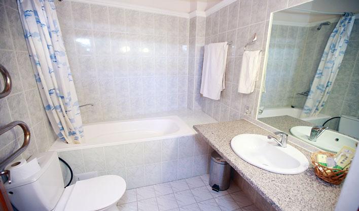 Bathroom Lyabi Haus Bukhara