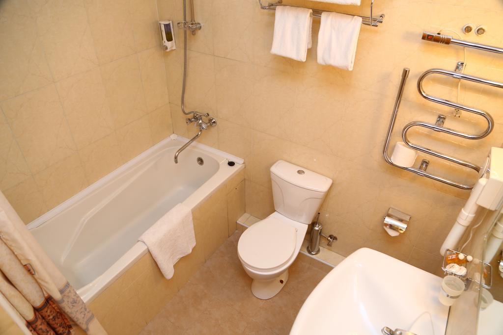 Bathroom Malika Prime Samarkand 1