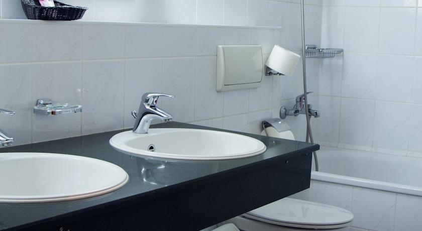 Bathroom Shodlik Palace Tashkent 1