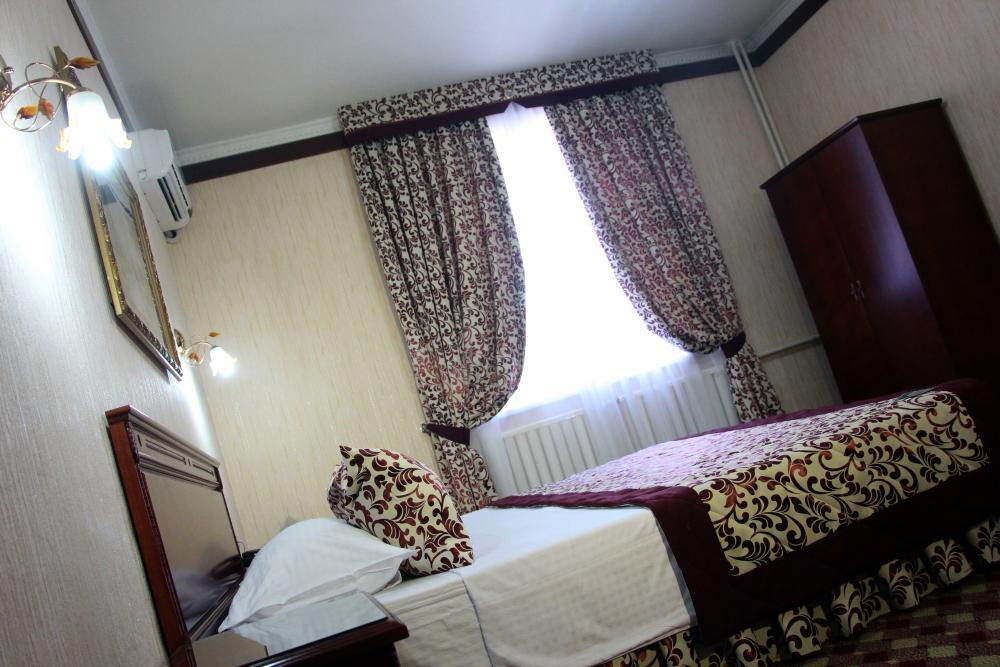 Double Room Hotel Asia Tashkent 4