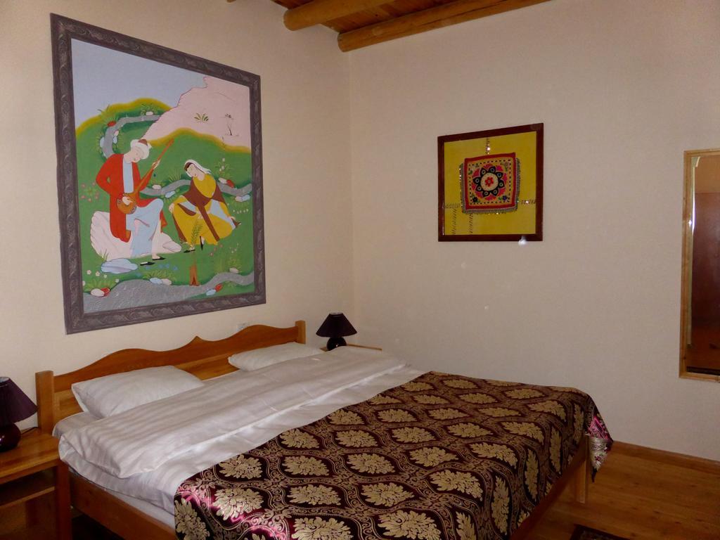 Double Room Hovly Poyon Bukhara 2
