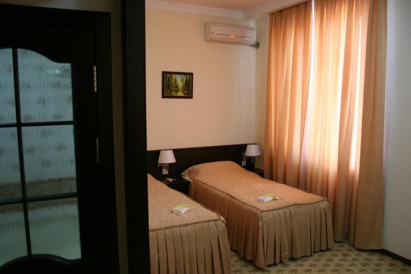 Double Room Rahnamo Nukus
