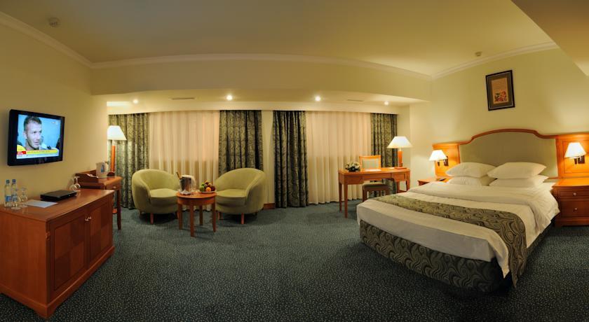 Double Room Ramada Tashkent 1