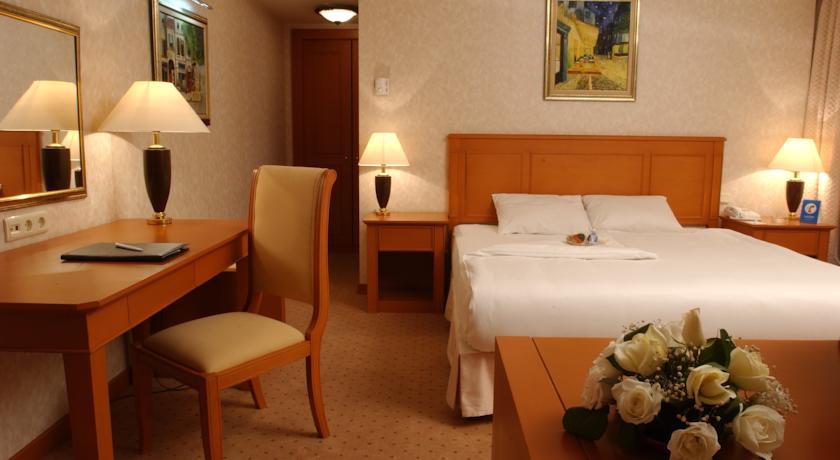 Double Room Wyndham Tashkent 3