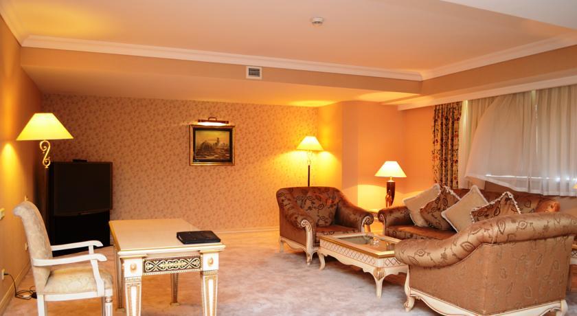 Double Room Wyndham Tashkent 6