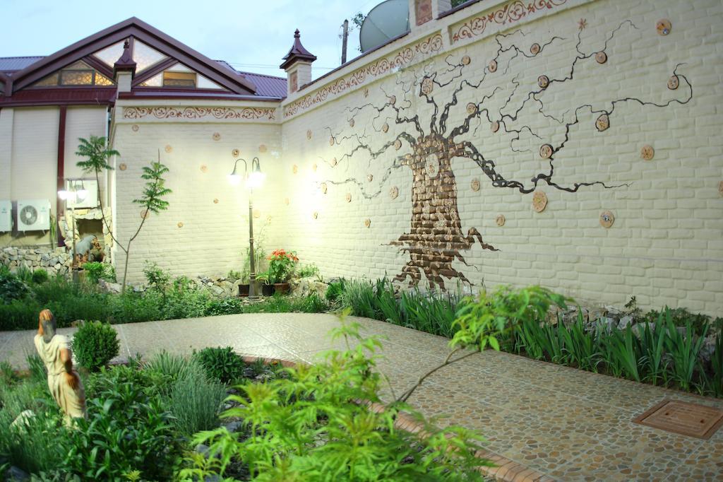 Garden Platan Samarkand 1