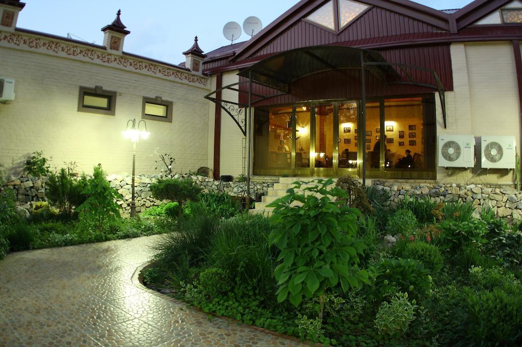 Garden Platan Samarkand 2