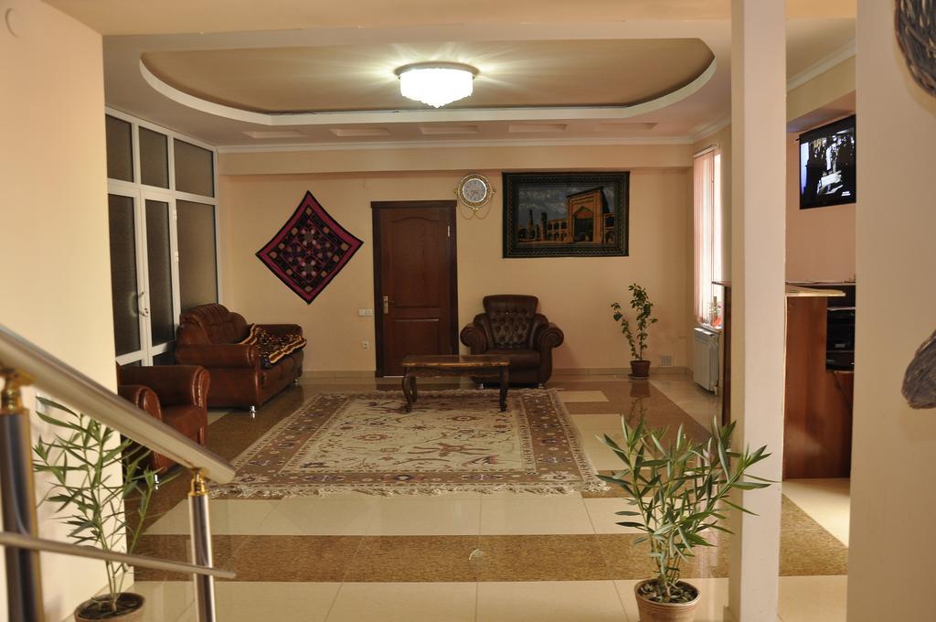 Hall Madrasa Aminhan Khiva 1