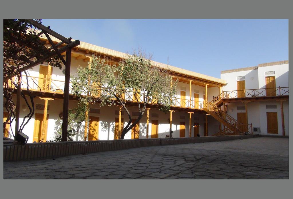 Hovly Poyon Bukhara 3