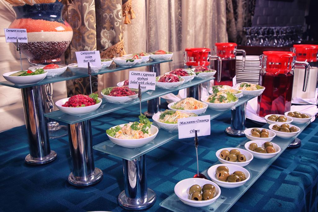 Restaurant Hotel Sharq Tashkent 1