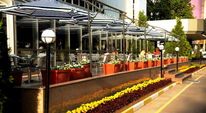 Restaurant Wyndham Tashkent 2