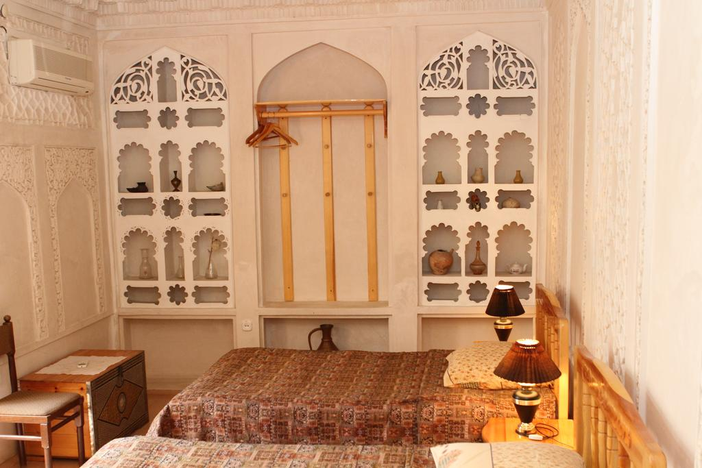 Twin Room Emir Bukhara 2