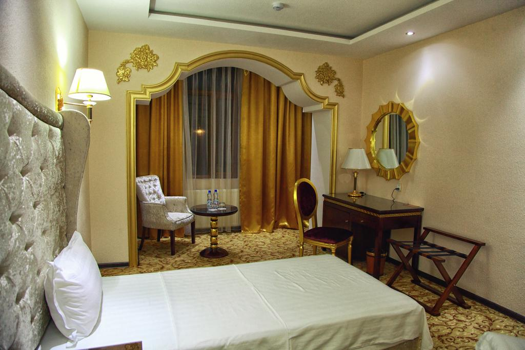 Twin Room Emirhan Samarkand 1