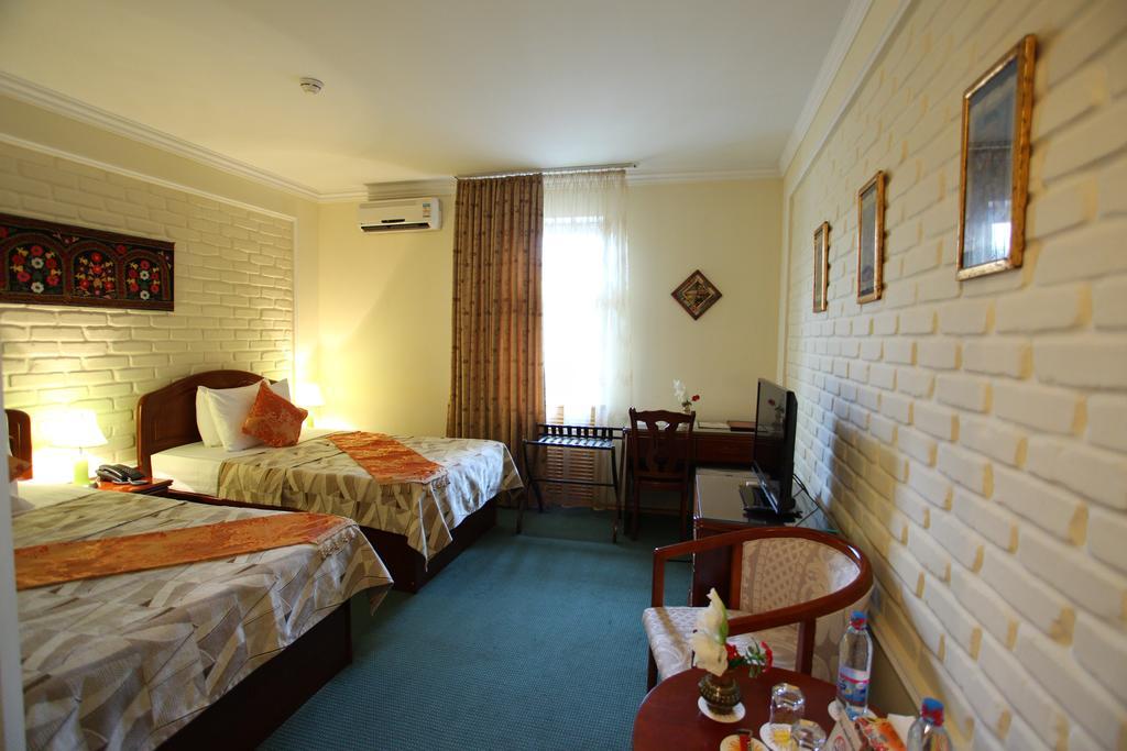 Twin Room Grand Samarkand 1