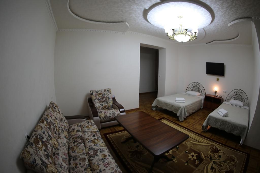 Twin Room Zilol Baxt Samarkand 10