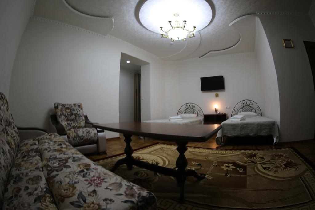 Twin Room Zilol Baxt Samarkand 11
