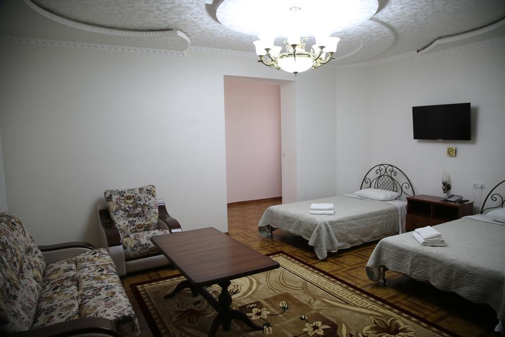 Twin Room Zilol Baxt Samarkand 2