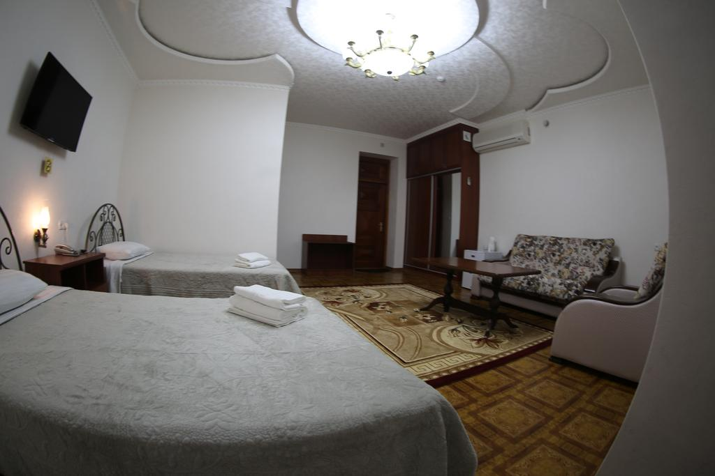 Twin Room Zilol Baxt Samarkand 6