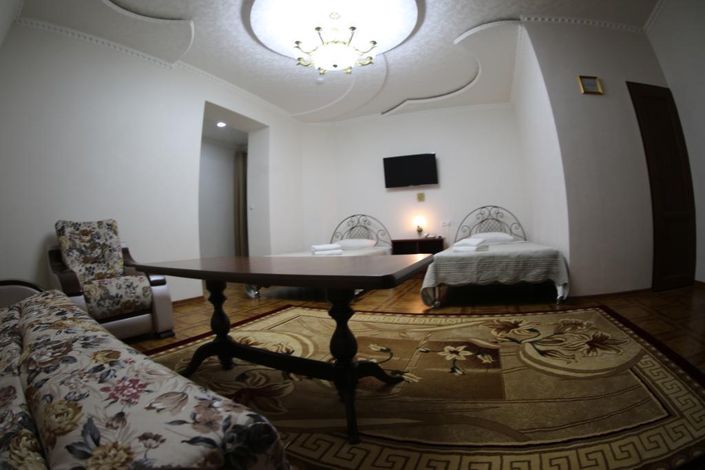 Twin Room Zilol Baxt Samarkand 7