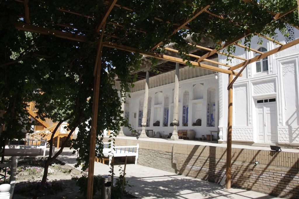 Yard Hovly Poyon Bukhara 1
